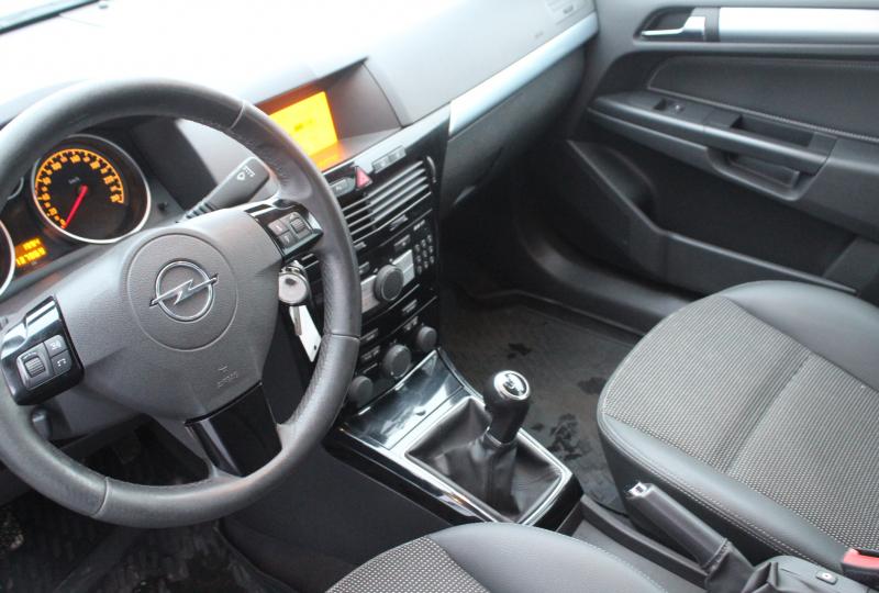 купить astra 4d sedan в кредит правовое регулирование государственного кредита